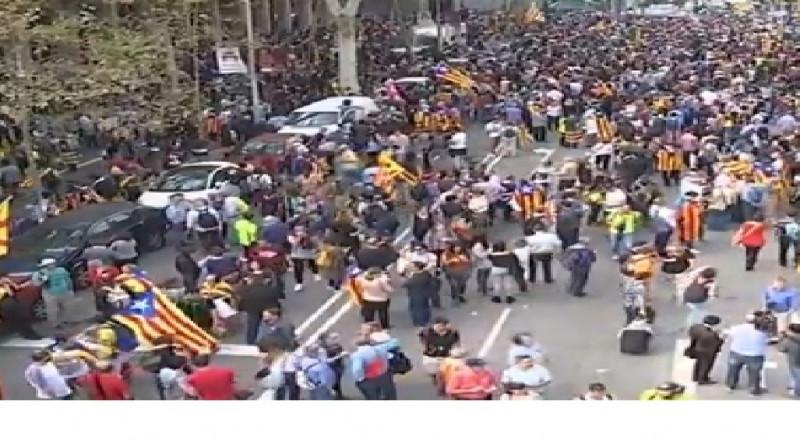 برلمان كتالونيا يعلن الانفصال عن إسبانيا