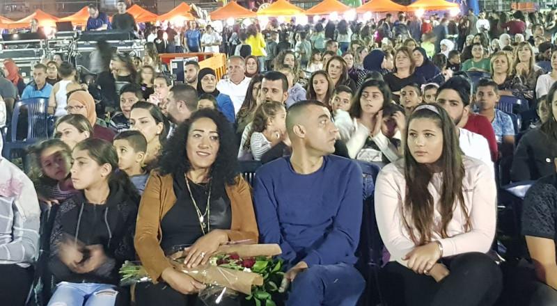 انطلاق اول أيام مهرجان ليالي مجد الكروم بمشاركة حضور واسع من أهالي القرية والمنطقة .