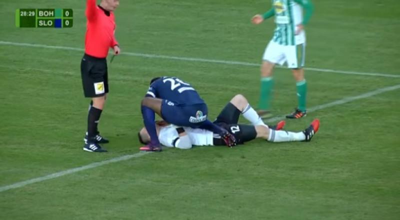 لاعب أنقذ حارس مرمى الفريق المنافس من موت