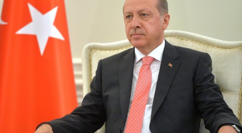أردوغان يتلو القرآن خلال افتتاح مسجد في أنقرة