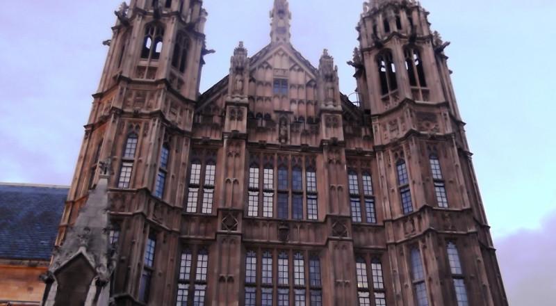 فضائح تحرش جنسي في البرلمان البريطاني