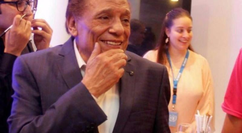 """عادل إمام يضع إعلاميين مصريين في """"مواقف محرجة"""""""