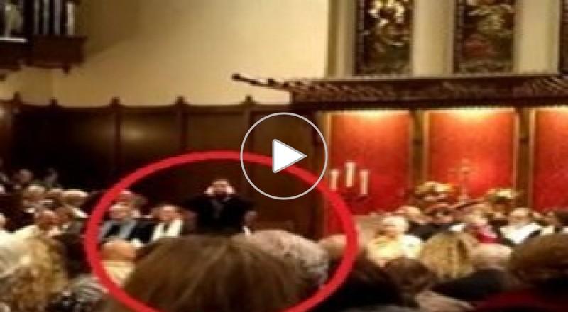 بالفيديو : كويتي يؤذن داخل كنيسة في كاليفورنيا