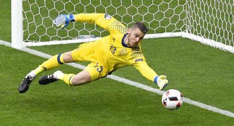 دي خيا يطالب بالإنضمام إلى ريال مدريد!