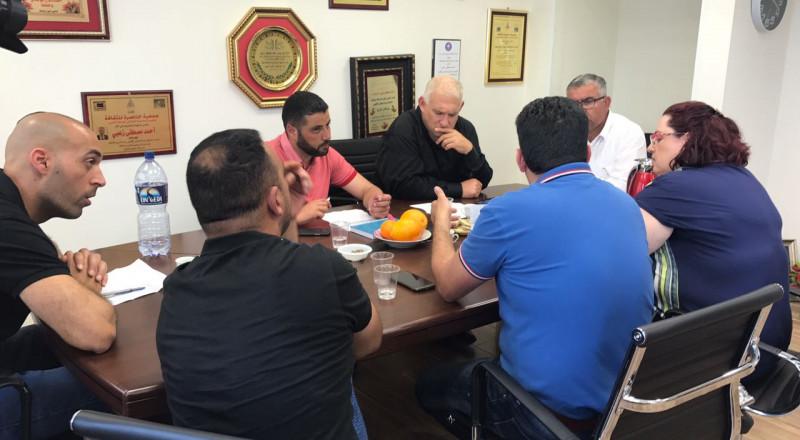 مدير عام وزارة حماية البيئة يزور بستان المرج ويعد بزيادة الميزانيات
