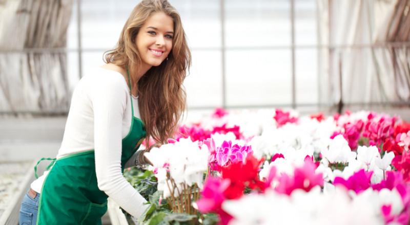 طرق مُجرّبة لإطالة عمر الأزهار الطبيعية