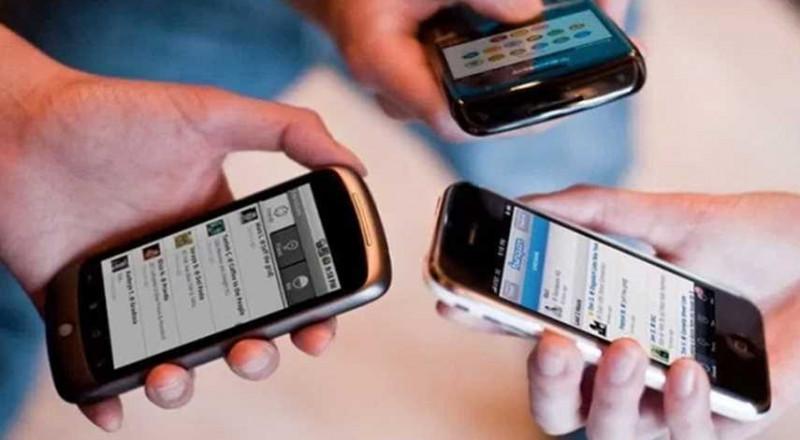 فيروس خبيث يتسلل إلى مليوني هاتف