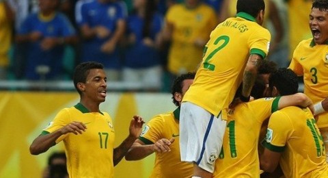 البرازيل تتصدر المجموعة بفوزها على ايطاليا في لقاء مليئ بالاثارة