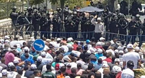 مواجهات في القدس بعد انتهاء صلاة الجمعة بمشاركة الآلاف