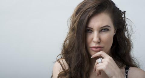 أنجلينا جولي تفجّرها وتتحدث عن معاناتها بعد الطلاق