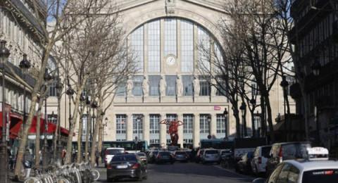 فرنسا تسرع وتيرة منح التأشيرات في مسعى لدعم السياحة
