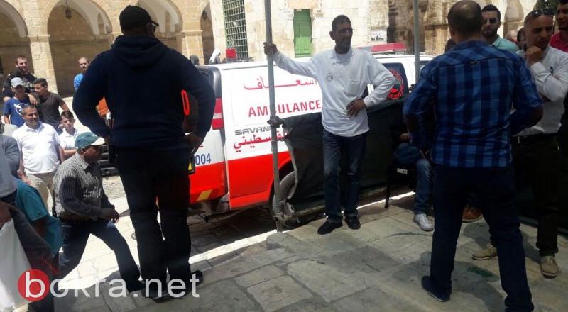 21 إصابة بمواجهات مع الاحتلال عند باب الأسباط