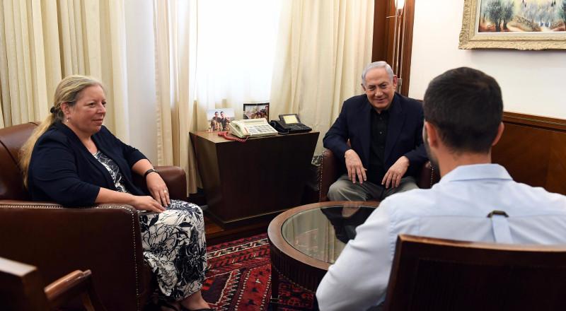 الأردن واسرائيل تنفيان عقد صفقة لإعادة حارس السفارة مقابل إزالة البوابات الالكترونية