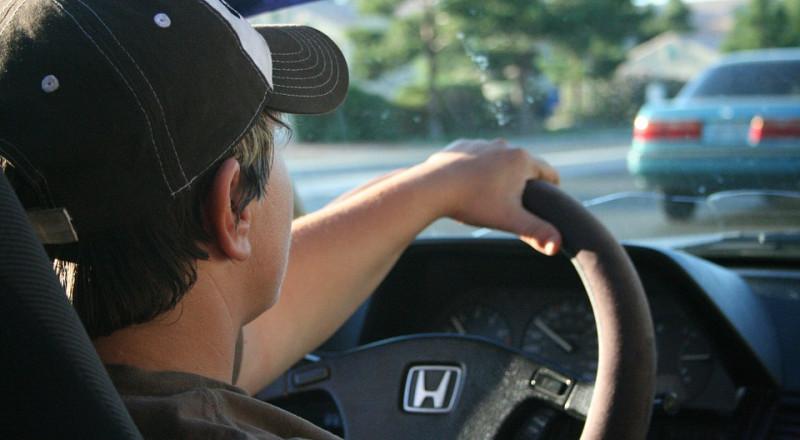 دراسة جديدة… قيادة السيارة اكثر من ساعتين يوميا تجعلك أقل ذكاءا!