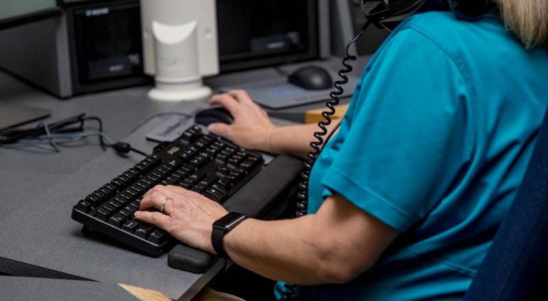 دعوى قضائية بـ70 ألف شيكل ضد شركة اتصالات رفضت تشغيل سيدة من الناصرة لكونها كفيفة