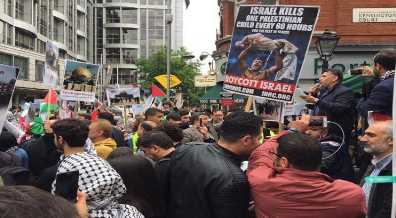 مسلمون ويهود معا أمام سفارة إسرائيل في واشنطن نصرة للأقصى