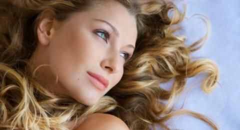 خمسة أسباب لاستخدام زيت جوز الهند على شعرك