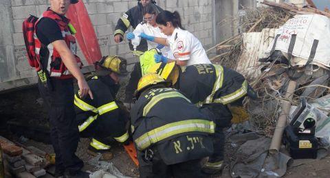 كفر برا: إصابة عامل اثر سقوط جسم ثقيل عليه في ورشة بناء