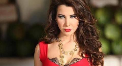 نانسي عجرم مع زوجها وإبنتيها بصور عفوية