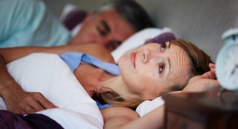 الحمى الليلية واضطرابات النوم تسبب الاكتئاب