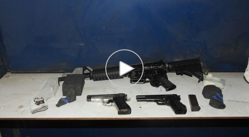 اللد: مداهمة وكر في المنطقة الصناعية والعثور على أسلحة وذخائر