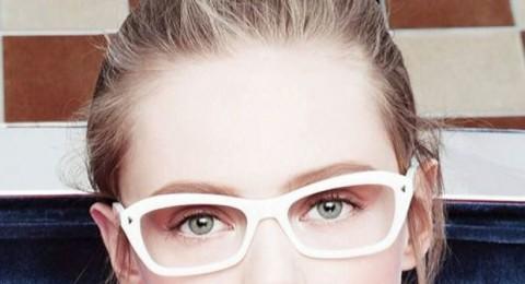 نظاراتك في صيف 2015 كلاسيكية بإطار أبيض اللون