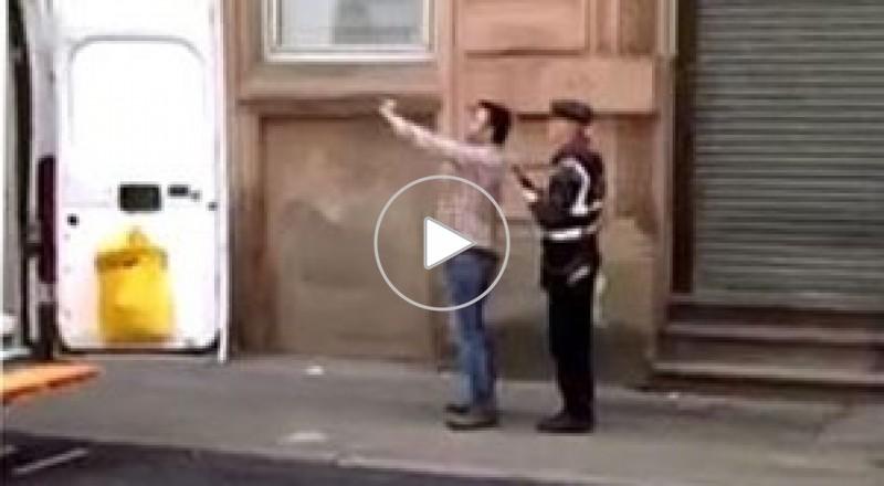 مشاجرة بين شرطي مرور وسائق بسبب سيلفي
