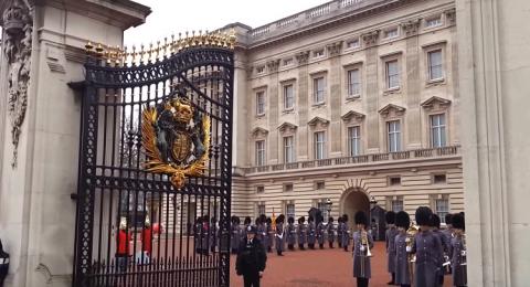 العائلة الملكية تخصص ميزانية فلكية لترميم قصر باكنغهام