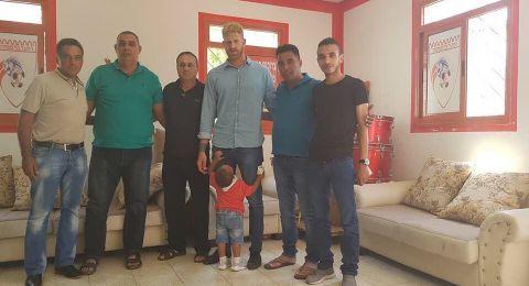 هـ.مصمص يتعاقد مع عمري بوكسينباوم
