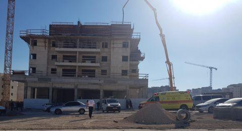 مصرع عامل عربي اثر سقوطه بورشة في