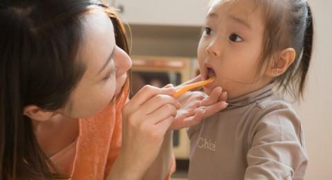 5 نصائح سريعة لفحص تسوس الاسنان لدى طفلك