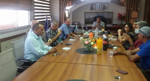 جلسة هامة في مجلس الشبلي أم الغنم: التخطيط لحي جديد بمساحة 240 دونم