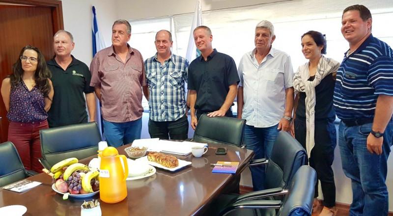 الجلبوع: رؤساء سلطات محلية يجتمعون للدفاع عن المنطقة الريفية من التلوث