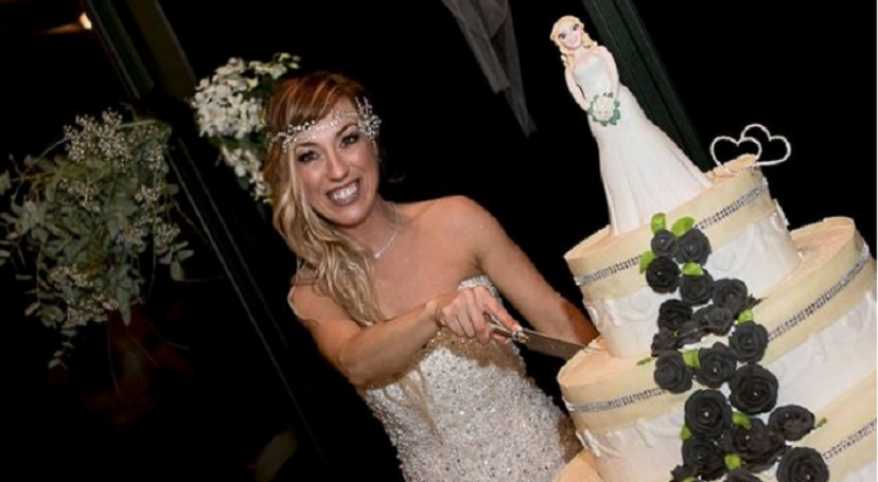 إيطالية تتزوج نفسها وتقيم احتفالًا كبيرا