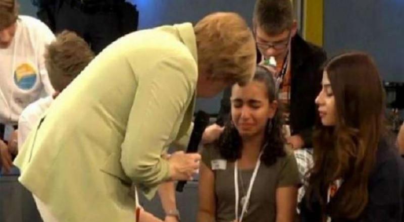 منح الإقامة الدائمة في ألمانيا لفتاة فلسطينية أبكتها ميركل