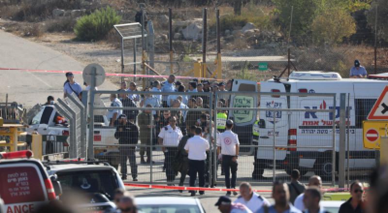 القدس: عملية اطلاق نار ومقتل 3 اشخاص، ومنفذها يحمل تصريح عمل في الداخل