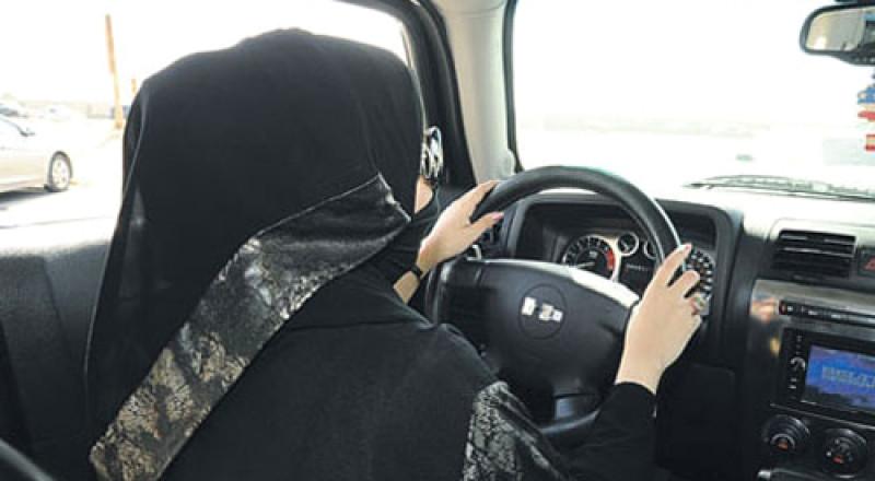 كم يبلغ عدد السائقين الذين تستعين بخدماتهم الأسر في السعودية؟