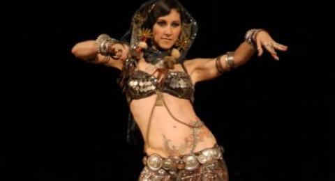 إسرائيلية ذهبت لتعلم الرقص في الأردن، فعشقت نادلًا اردنيًا مما تسبب بطلاقها