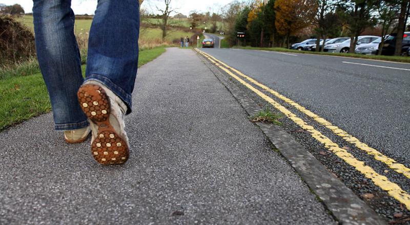 المشي في المنتزهات أفضل من الشوارع، لماذا؟