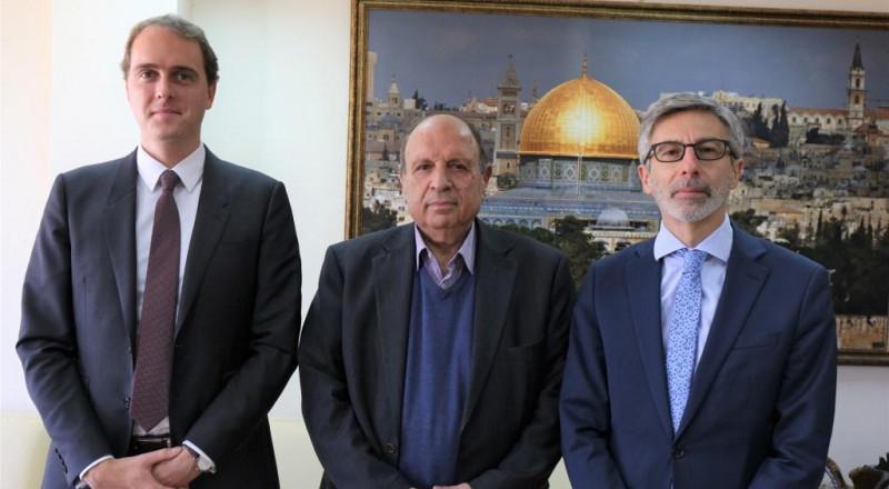 وزير شؤون القدس يدعو باريس للاعتراف بدولة فلسطين