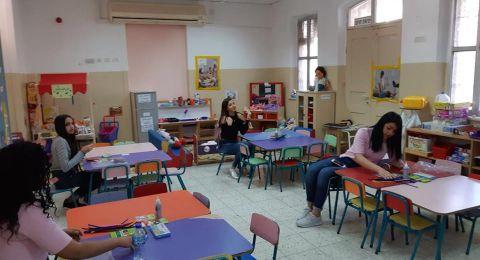 مدرسة المتنبي في حيفا تتألّق بموسم العطاء والأعمال الحَسَنة