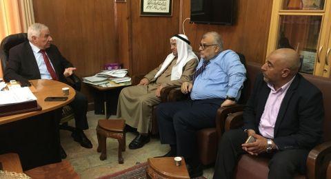 القدس : وفد من الشخصيات العربية يلتقي مدير عام الاوقاف الاسلامية