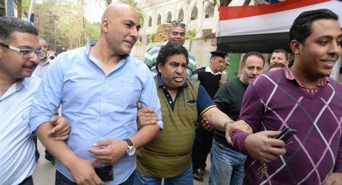 عدوية يغني للسيسي ويدلي بصوته فى الانتخابات المصرية