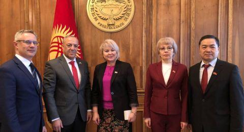 النائب أكرم حسون يزور كيرجستان ويلتقي رئيس البرلمان وعقيلة رئيس الدولة في زيارة تاريخية