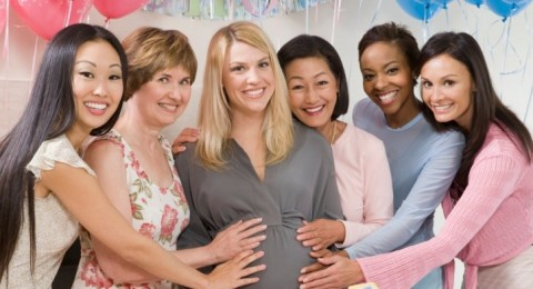 الحمل قد يكون معدياً بين الصديقات!