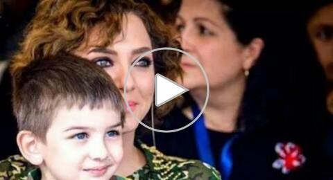 بالفيديو : ابن سلاف فواخرجي يغني لبشار الاسد