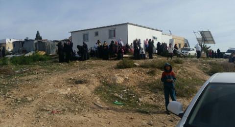 ام الحيران: السُلطات تبلغ الاهالي بنيتها هدم عدد من المباني يوم غد