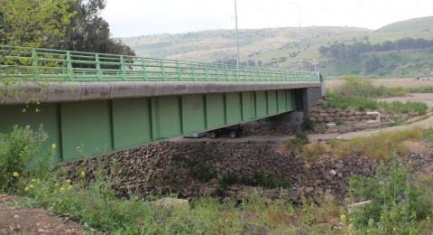 إصابة فتاة بعدما قفزت عن جسر