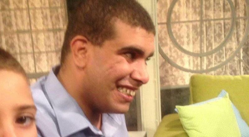 الناشط مزهر بدير، كفيف رفض ريفلين العفو عنه، ومهدد لدخول السجن قريبًا