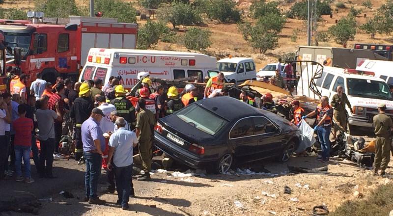 الشرطة الفلسطينية تعلن هويات ضحايا حادث السير المروع قرب رام الله ونقلهم لأبو كبير لصعوبة التعرف عليهم